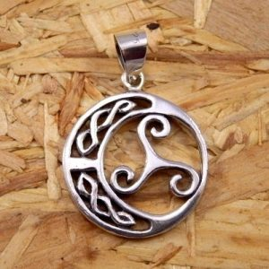 Colgante Trisquel con nudo Celta-amuleto en plata 925