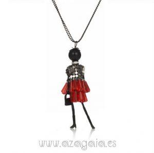 Collar colgante muñeca falda roja