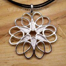 Colgante plata flor