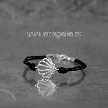 Pulsera concha plata con cordón negro