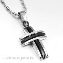Colgante Cruz de Acero color negro y acero pulido