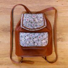 REBAJAS-Bolso mochila cuero marrón teja con estampado calaveras