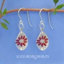 Pendiente plata ondulado filigrana flor roja