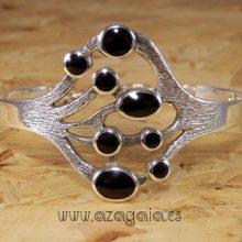 Pulsera brazalete plata con azabache artesanía de galicia