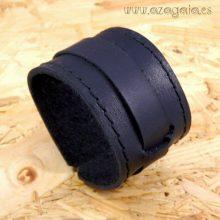 Pulsera muñequera cuero negro con hebilla
