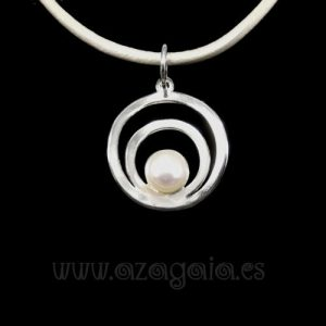 Colgante plata círculos con perla de río